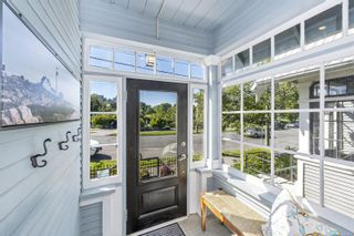 Photo 3: 221 St. Lawrence St in : Vi James Bay House for sale (Victoria)  : MLS®# 879081