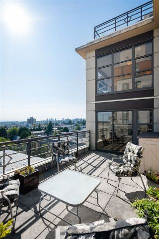 "Photo 31: 804 306 SIXTH Street in New Westminster: Uptown NW Condo for sale in ""Amadeo"" : MLS®# R2505228"