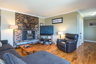 Photo 2: 2223 Strathcona Cres in : CV Comox (Town of) House for sale (Comox Valley)  : MLS®# 876806