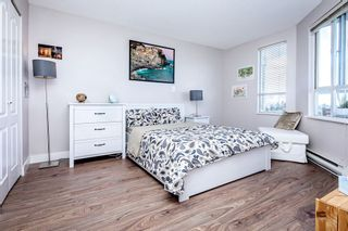 """Photo 6: 806 3455 ASCOT Place in Vancouver: Collingwood VE Condo for sale in """"QUEEN COURT"""" (Vancouver East)  : MLS®# R2445235"""