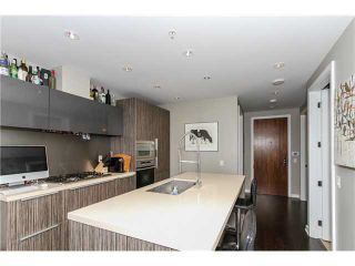 """Photo 2: 512 181 W 1ST Avenue in Vancouver: False Creek Condo for sale in """"BROOK-THE VILLAGE ON FALSE CREEK"""" (Vancouver West)  : MLS®# V1134606"""