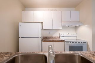 """Photo 8: 210 1230 HARO Street in Vancouver: West End VW Condo for sale in """"1230 HARO"""" (Vancouver West)  : MLS®# R2364139"""