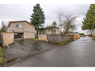 """Photo 18: 17345 63A Avenue in Surrey: Cloverdale BC House for sale in """"Cloverdale"""" (Cloverdale)  : MLS®# R2446374"""