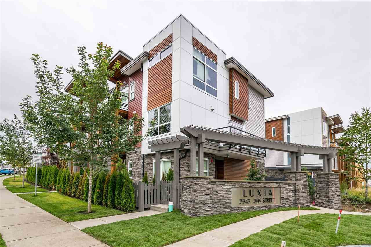 """Photo 3: Photos: 41 7947 209 Street in Langley: Willoughby Heights Townhouse for sale in """"Luxia"""" : MLS®# R2384625"""