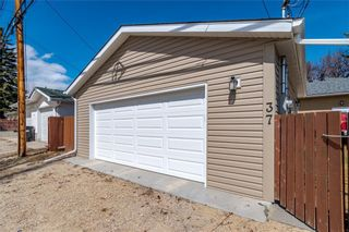 Photo 30: 37 CADOGAN Road NW in Calgary: Cambrian Heights Detached for sale : MLS®# C4294170