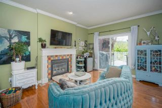 """Photo 2: 4397 ATWOOD Crescent in Abbotsford: Abbotsford East House for sale in """"Auguston"""" : MLS®# R2579799"""
