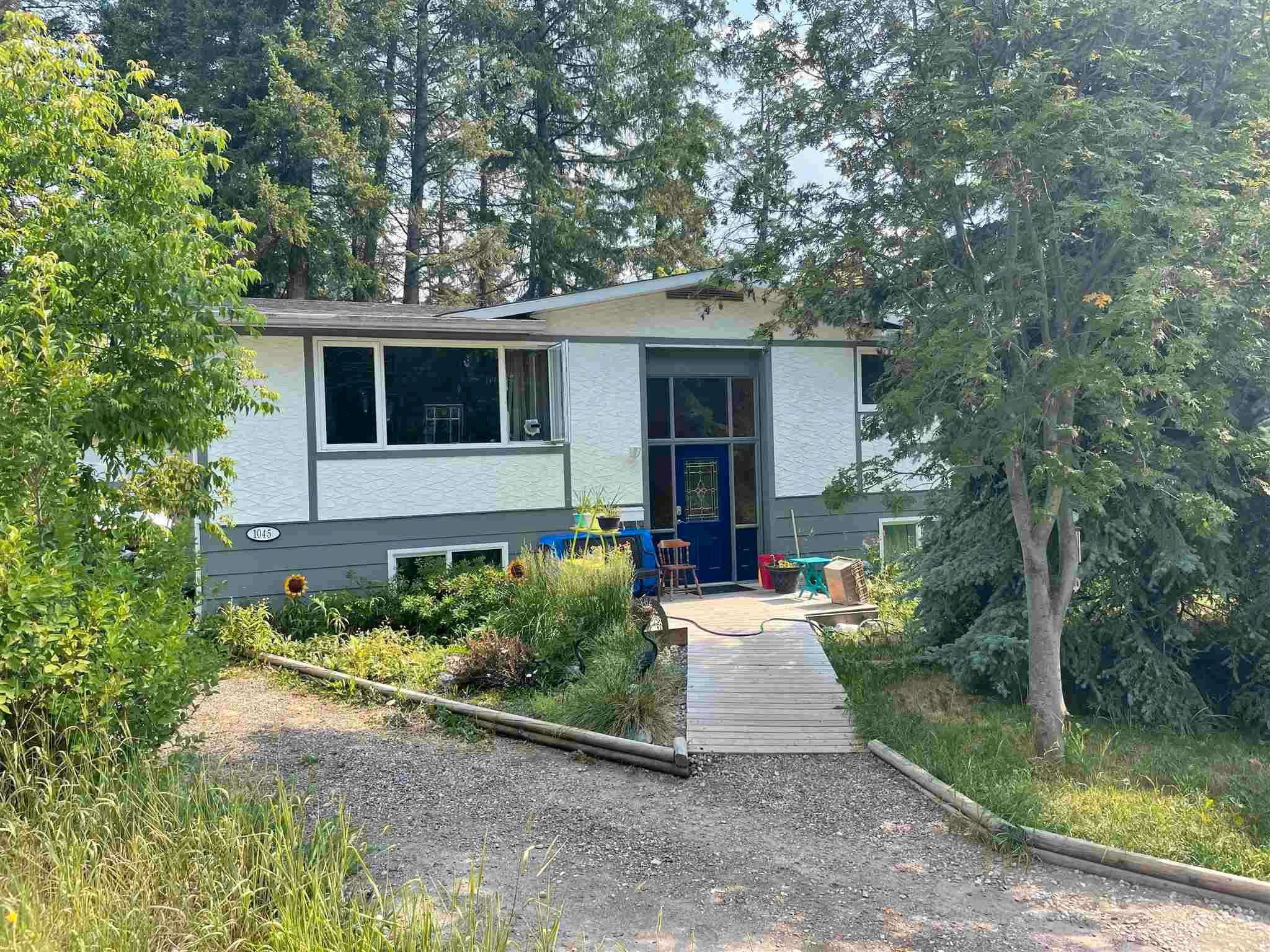 Main Photo: 1045 CURTIS Place in Williams Lake: Williams Lake - City House for sale (Williams Lake (Zone 27))  : MLS®# R2605452