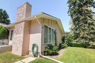Photo 2: 49 Haysboro Crescent SW in Calgary: Haysboro Detached for sale : MLS®# A1041274