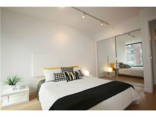 Photo 8: # 402 1155 HOMER ST in Vancouver: Yaletown Condo for sale (Vancouver West)  : MLS®# V1037431