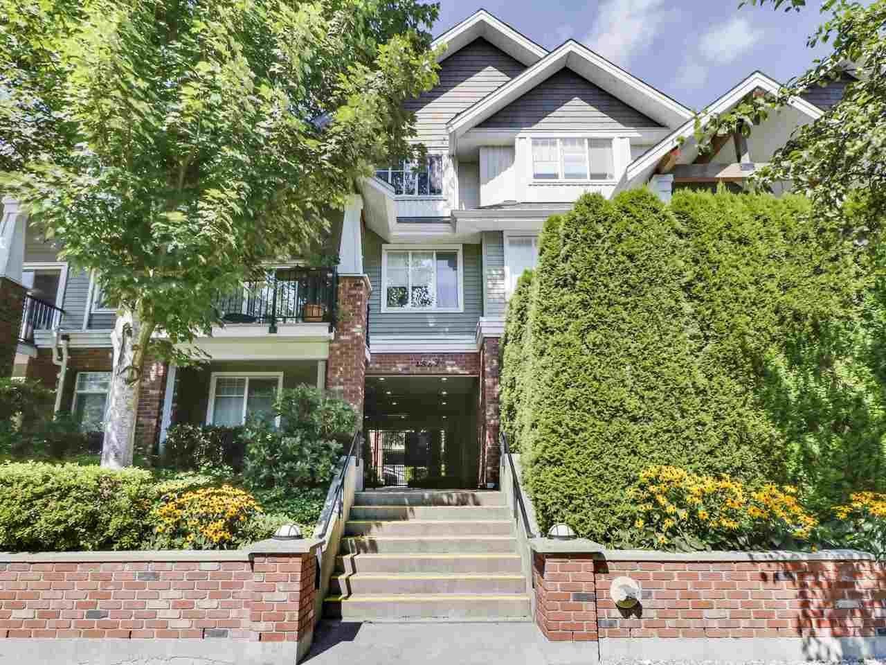 "Main Photo: 203 1567 GRANT Avenue in Port Coquitlam: Glenwood PQ Townhouse for sale in ""The Grant"" : MLS®# R2513303"