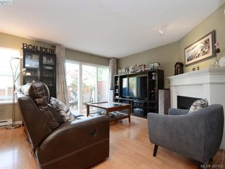 Photo 3: 1 2711 Jacklin Rd in VICTORIA: La Langford Proper Row/Townhouse for sale (Langford)  : MLS®# 794950