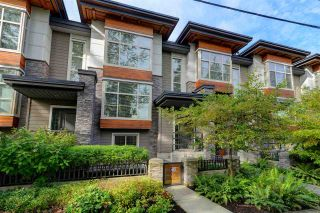 """Photo 1: 3 3025 BAIRD Road in North Vancouver: Lynn Valley Townhouse for sale in """"Vicinity"""" : MLS®# R2315112"""