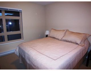 """Photo 4: 401 7339 MACPHERSON Avenue in Burnaby: Metrotown Condo for sale in """"CADENCE"""" (Burnaby South)  : MLS®# V793973"""