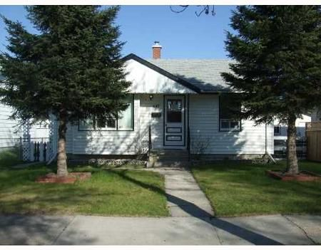 Main Photo: 447 ROBERTSON ST.: Residential for sale (North End)  : MLS®# 2809102