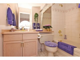 """Photo 15: 6 9163 FLEETWOOD Way in Surrey: Fleetwood Tynehead Townhouse for sale in """"Fountains of Guildford"""" : MLS®# F1323715"""