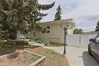 Main Photo: 3740 42 Street SW in Calgary: Glenbrook Detached for sale : MLS®# A1119699