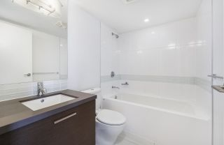 """Photo 8: 502 10777 UNIVERSITY Drive in Surrey: Whalley Condo for sale in """"City Point"""" (North Surrey)  : MLS®# R2583911"""