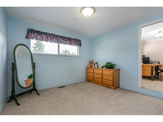 """Photo 15: 6495 180 Street in Surrey: Cloverdale BC House for sale in """"Orchard Ridge"""" (Cloverdale)  : MLS®# R2396953"""