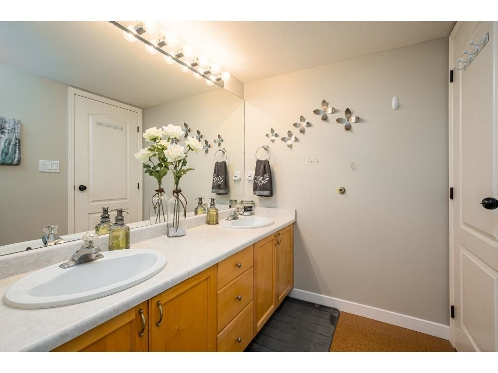 """Photo 17: Photos: 306 5450 208 Street in Langley: Langley City Condo for sale in """"Montgomery Gate"""" : MLS®# R2608181"""