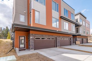 Photo 2: 145 Shawnee Common SW in Calgary: Shawnee Slopes Row/Townhouse for sale : MLS®# A1097036