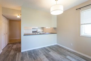 Photo 9: 309 LANCASTER Terrace in Edmonton: Zone 27 Townhouse for sale : MLS®# E4243980