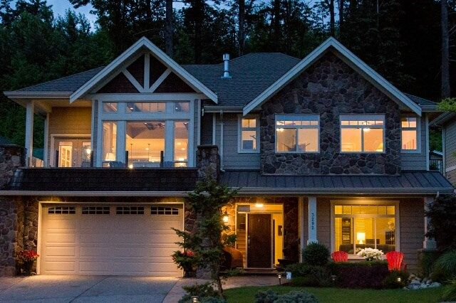 """Main Photo: 3292 BOXWOOD Court in Abbotsford: Abbotsford East House for sale in """"Highlands"""" : MLS®# R2082420"""