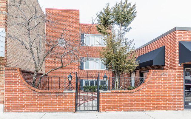 Main Photo: 9232 BROADWAY Avenue: Brookfield Multi Family (2-4 Units) for sale ()  : MLS®# MRD10436338