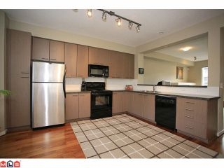 """Photo 4: 19 7155 189TH Street in Surrey: Clayton Townhouse for sale in """"Bacara"""" (Cloverdale)  : MLS®# F1114971"""