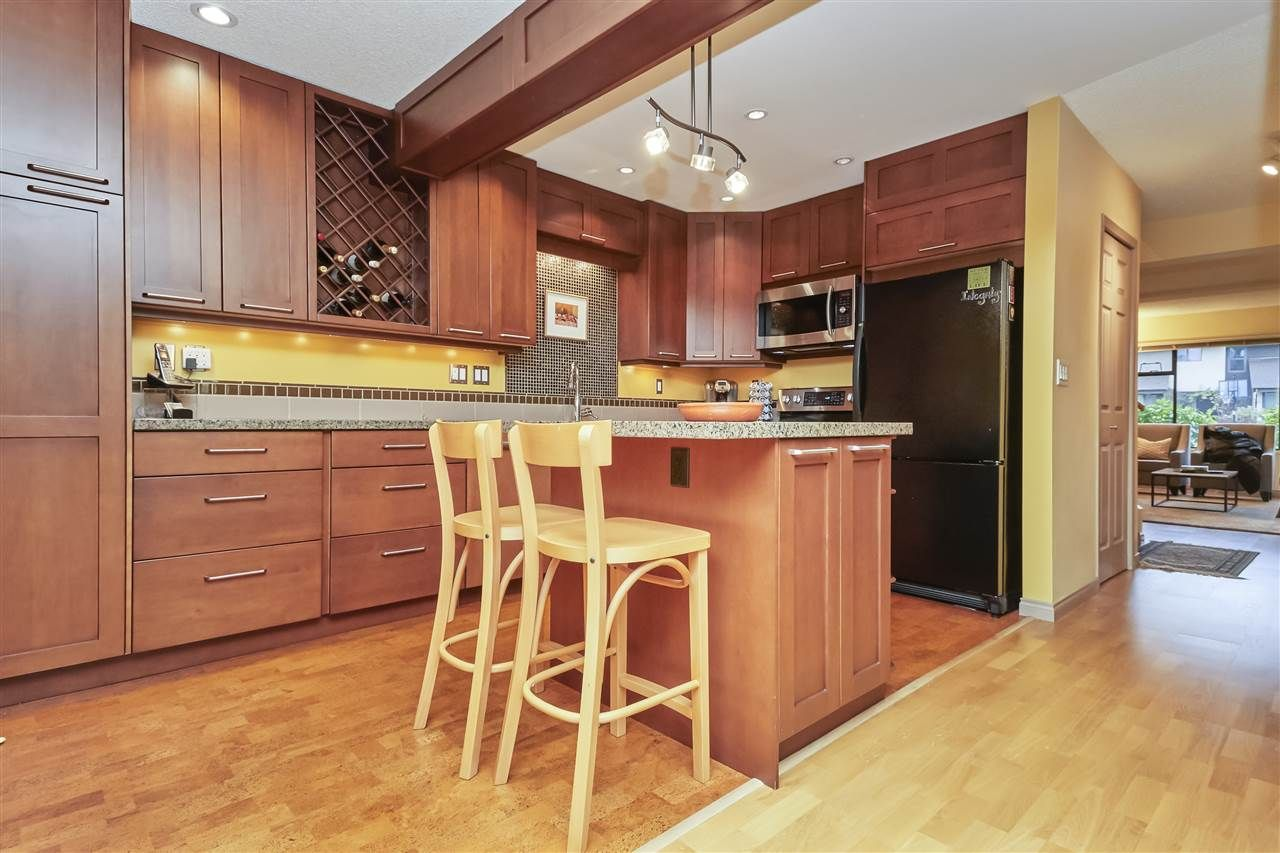 Photo 8: Photos: 7360 TOBA PLACE in Vancouver: Champlain Heights Townhouse for sale (Vancouver East)  : MLS®# R2430087