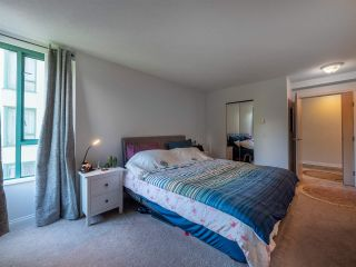 "Photo 10: 5E 328 TAYLOR Way in West Vancouver: Park Royal Condo for sale in ""THE WESTROYAL"" : MLS®# R2380863"