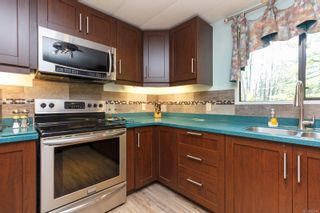 Photo 10: 1105 Bourban Rd in : ML Mill Bay Manufactured Home for sale (Malahat & Area)  : MLS®# 863983