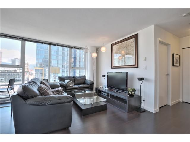 "Main Photo: 1105 668 CITADEL PARADE in Vancouver: Downtown VW Condo for sale in ""SPECTRUM 2"" (Vancouver West)  : MLS®# V1057187"