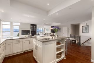 """Photo 13: 8609 SEASCAPE Place in West Vancouver: Howe Sound 1/2 Duplex for sale in """"Seascapes"""" : MLS®# R2528203"""