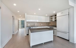 Photo 3: 2502 1277 MELVILLE ST in VANCOUVER: Condo for sale