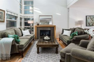 Photo 1: 34 3750 EDGEMONT BOULEVARD in North Vancouver: Edgemont Townhouse for sale : MLS®# R2080035