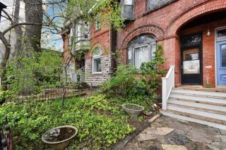 Photo 2: 439 Sumach St, Toronto, Ontario M4X 1V6 in Toronto: Semi-Detached for sale (Cabbagetown-South St. James Town)  : MLS®# C3787697