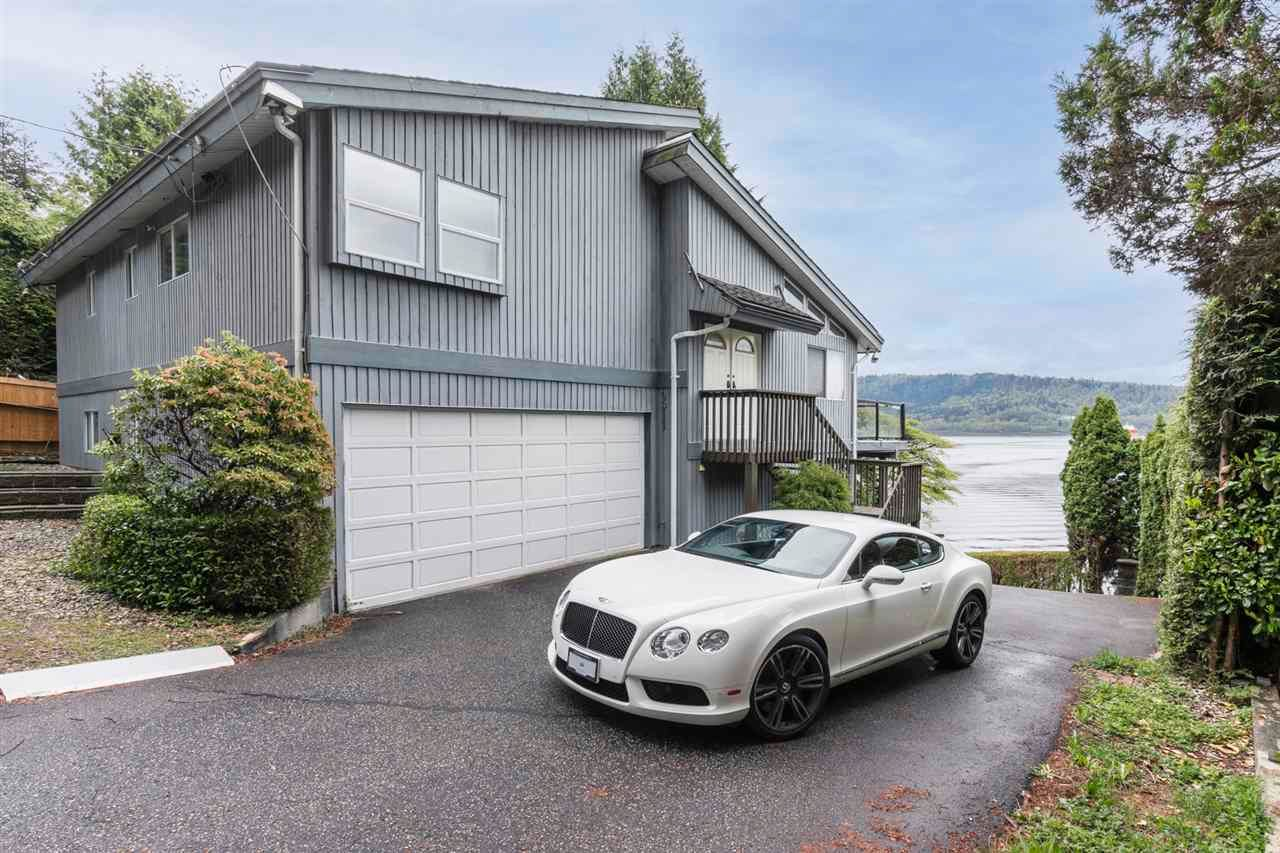 Main Photo: 4511 STONEHAVEN Avenue in North Vancouver: Deep Cove House for sale : MLS®# R2617043