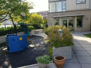 """Photo 5: 705 1690 W 8TH Avenue in Vancouver: Fairview VW Condo for sale in """"MUSEE"""" (Vancouver West)  : MLS®# R2623865"""