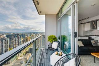 """Photo 4: 3803 1283 HOWE Street in Vancouver: Downtown VW Condo for sale in """"Tate"""" (Vancouver West)  : MLS®# R2592926"""