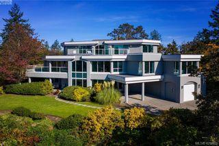Photo 2: 916 Cobblestone Lane in VICTORIA: SE Broadmead House for sale (Saanich East)  : MLS®# 832198