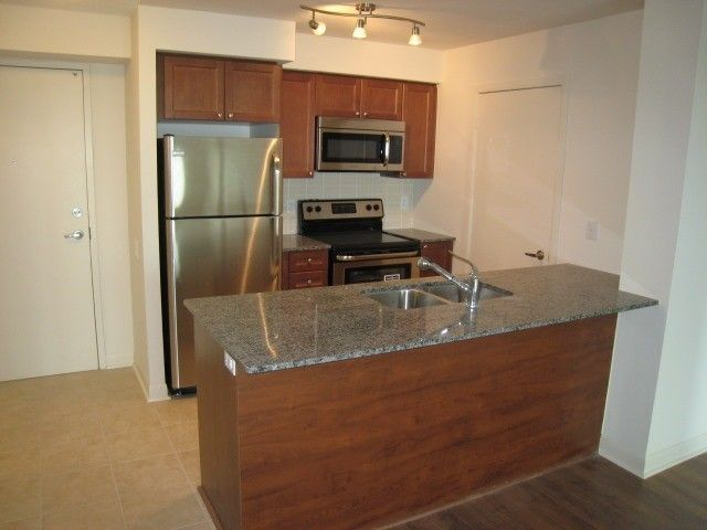 Main Photo: 653 525 Wilson Avenue in Toronto: Clanton Park Condo for lease (Toronto C06)  : MLS®# C4023111