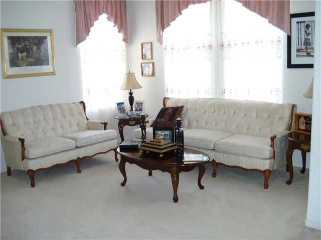 Photo 2: Photos: OCEANSIDE House for sale : 3 bedrooms : 4084 Ivey Vista