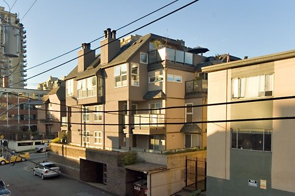 Photo 2: Photos: 1318 THURLOW Street in Vancouver: West End VW Condo for sale (Vancouver West)  : MLS®# V640071