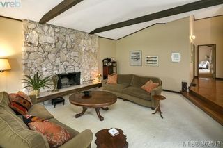 Photo 4: 623 Foul Bay Rd in VICTORIA: Vi Fairfield East House for sale (Victoria)  : MLS®# 726090