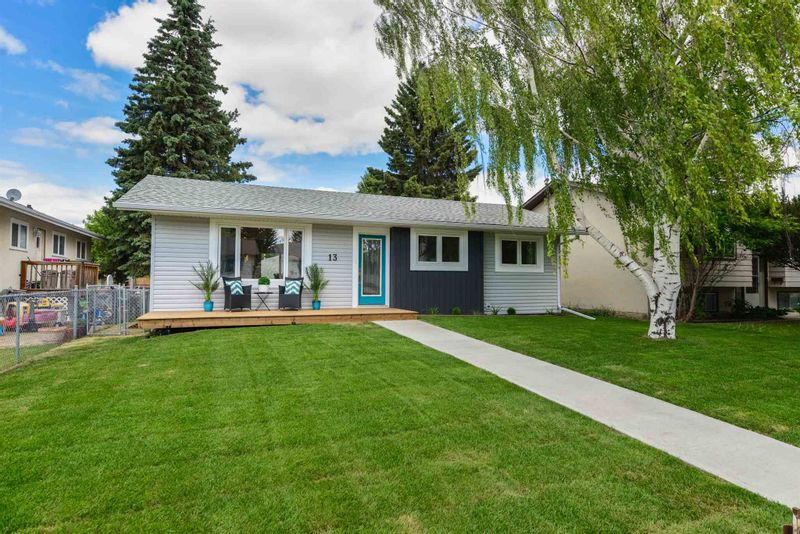 FEATURED LISTING: 13 DORCHESTER Road Spruce Grove