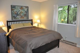 Photo 8: 915 Britton Drive in Woodside Village: Home for sale