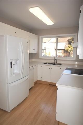 Photo 3: 12018 25 Avenue in Edmonton: Zone 16 Townhouse for sale : MLS®# E4245623
