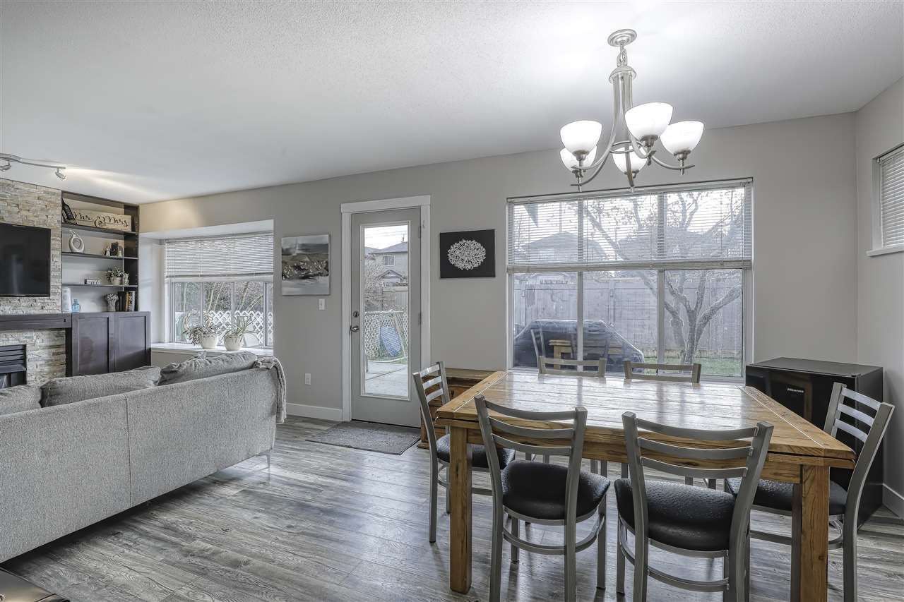 """Photo 3: Photos: 104 12099 237 Street in Maple Ridge: East Central Townhouse for sale in """"GABRIOLA"""" : MLS®# R2436710"""