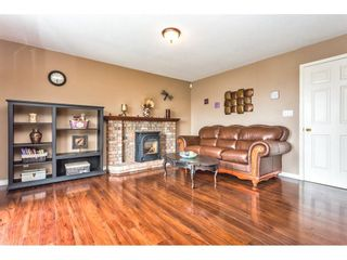"Photo 10: 2452 MOUNTAIN Drive in Abbotsford: Abbotsford East House for sale in ""MOUNTAIN VILLAGE"" : MLS®# R2354481"