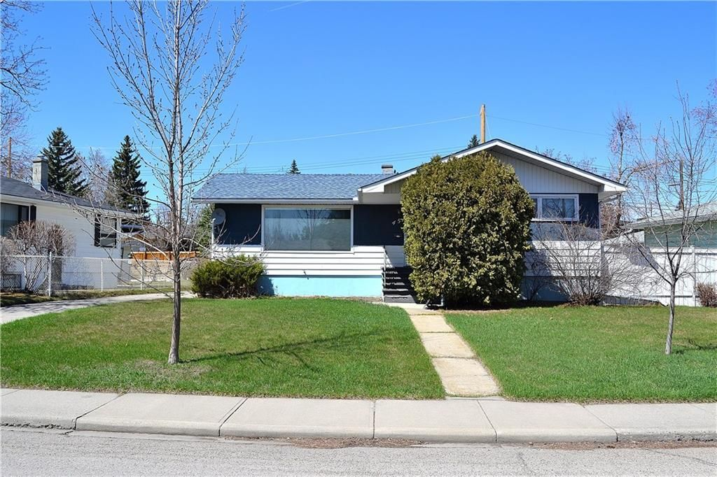 Main Photo: 45 Mayfair Road SW in Calgary: Meadowlark Park Detached for sale : MLS®# A1064150